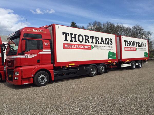 Thortrans lastbil med hænger
